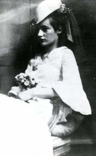 Garnett, Angelica